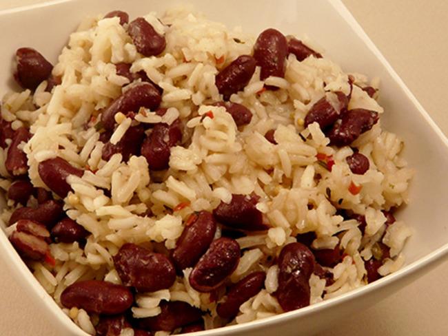 L'attribut alt de cette image est vide, son nom de fichier est la-cuisine-jamaicaine-riz-aux-haricots-rouges-o-caraibes-1.jpg.